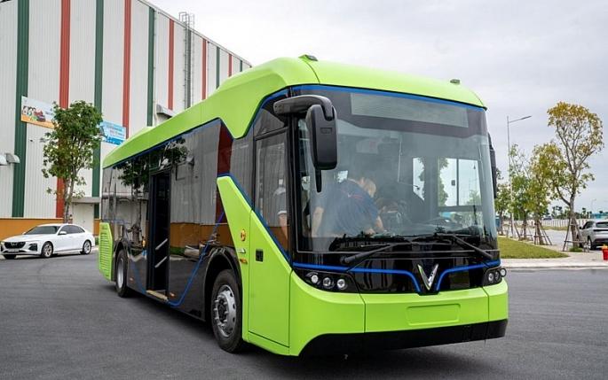Hà Nội: Đề xuất phát triển xe buýt điện giảm ô nhiễm môi trường