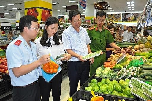 Phạt hành chính 173 cơ sở sản xuất, kinh doanh thực phẩm có vi phạm dịp Tết Nguyên đán