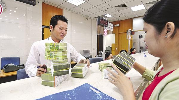 Lãi suất huy động bật tăng ở một số ngân hàng thương mại.