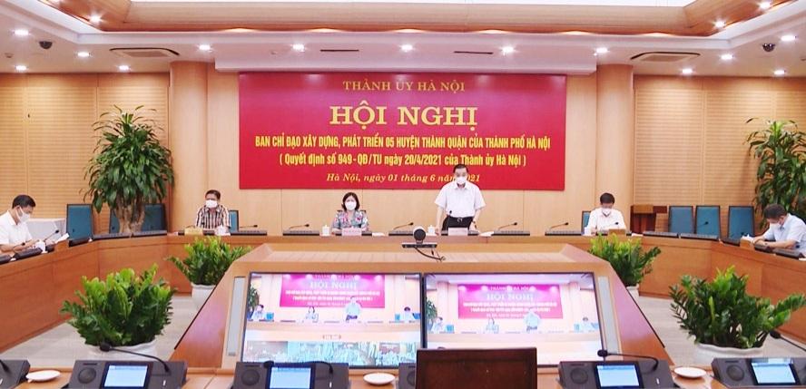Chủ tịch Ủy ban nhân dân thành phố Hà Nội Chu Ngọc Anh phát biểu tại hội nghị Ban Chỉ đạo xây dựng, phát triển 5 huyện thành quận, ngày 1/6/2021. (Ảnh: Lê Hải)