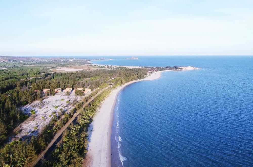 Các tỉnh thuộc khu vực Nam Trung Bộ được thiên nhiên ưu đãi nhiều bãi biển đẹp, khí hậu thuận lợi phát triển bất động sản nghỉ dưỡng