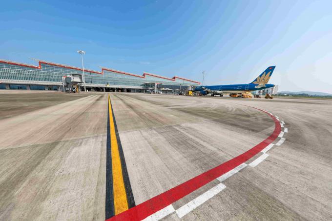 Từ ngày 3/3, Quảng Ninh mở lại Cảng Hàng không Quốc tế Vân Đồn, du lịch hoạt động từ hôm nay