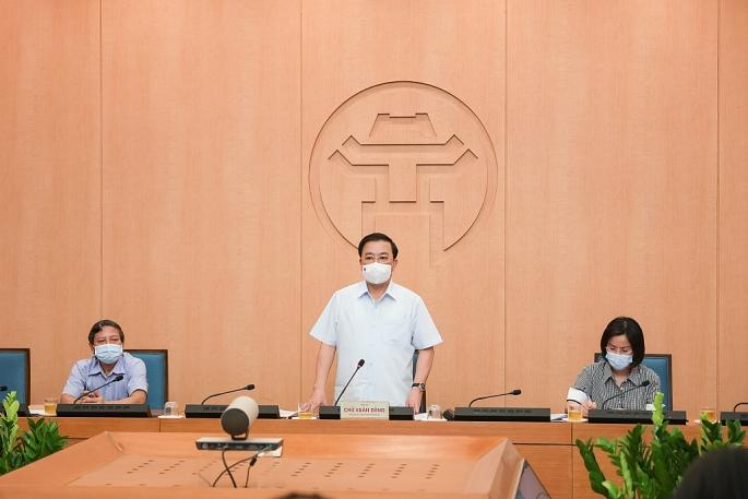 Phó Chủ tịch UBND Thành phố Hà Nội Chử Xuân Dũng chủ trì phiên họp ngày 4-5 (ảnh T.N)