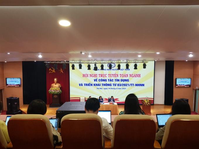 Hội nghị trực tuyến triển khai công tác tín dụng năm 2021 của ngành Ngân hàng tổ chức sáng 14/4. Ảnh KL.