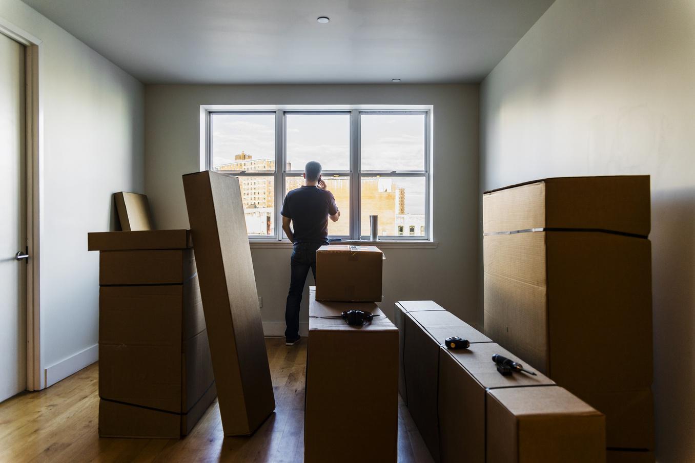 Người trẻ nếu không có sự giúp đỡ của gia đình sẽ khó mua nhà (Nguồn: Forbes)