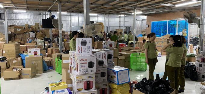Kho hàng giả lớn nhất tại Ninh Bình vừa bị triệt phá.