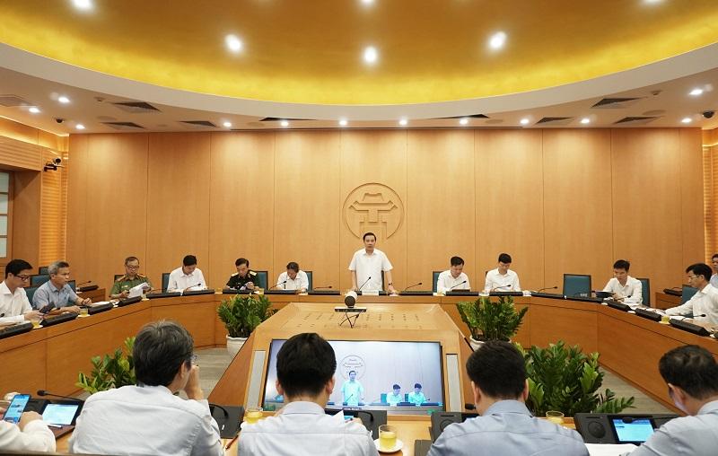 Phó Chủ tịch UBND thành phố Hà Nội Chử Xuân Dũng, Trưởng Ban Chỉ đạo phòng, chống dịch Covid-19 thành phố Hà Nội chủ trì phiên họp