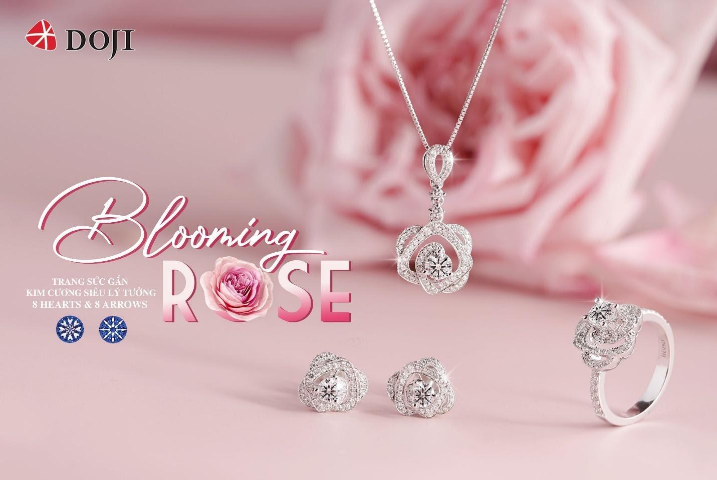 """Tái hiện những cánh hoa màu nhạt tạo thành một lớp bồng bềnh, nhẹ nhàng đầy thơ mộng bao phủ lấy những cánh hoa màu hồng đậm quyến rũ ở bên trong, Bộ sưu tập """"Blooming Rose"""" lấy cảm hứng từ đóa hồng Ohara xinh đẹp và kiều diễm"""