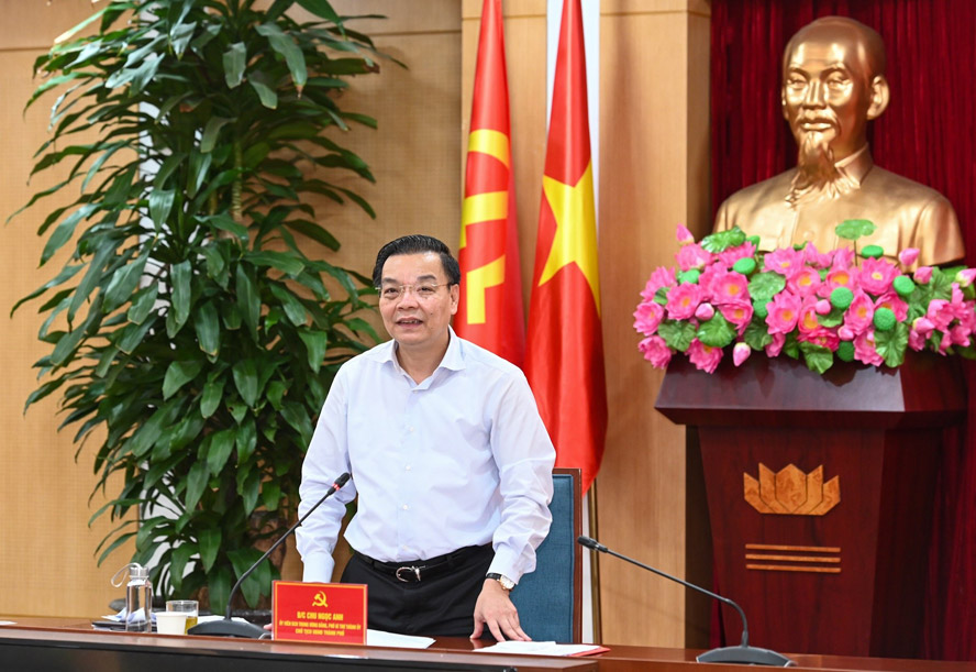 Chủ tịch UBND thành phố Hà Nội Chu Ngọc Anh phát biểu tại buổi làm việc.