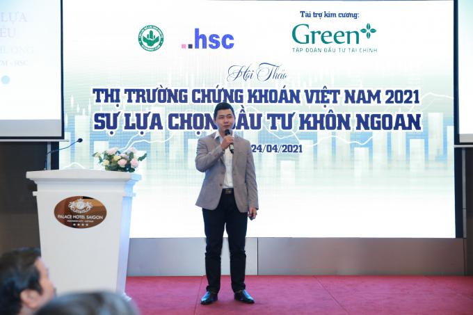 Ông Nguyễn Hoàng Phương, Giám đốc huấn luyện và hỗ trợ kinh doanh HSC phân cổ phiếu thành 5 nhóm