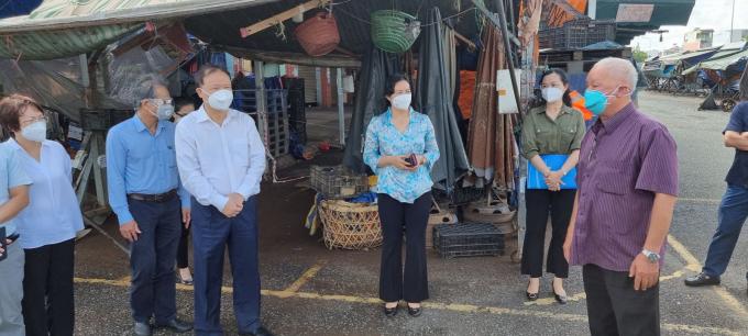 Đoàn công tác của Bộ Công Thương, đi khảo sát tại các chợ đầu mối TP.HCM.