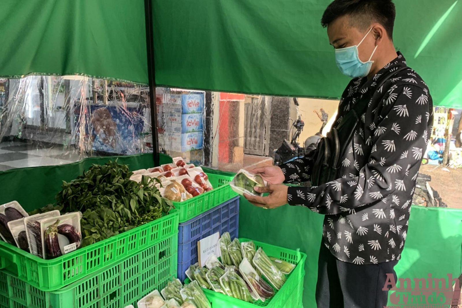 Các loại rau củ cũng có ở cửa hàng