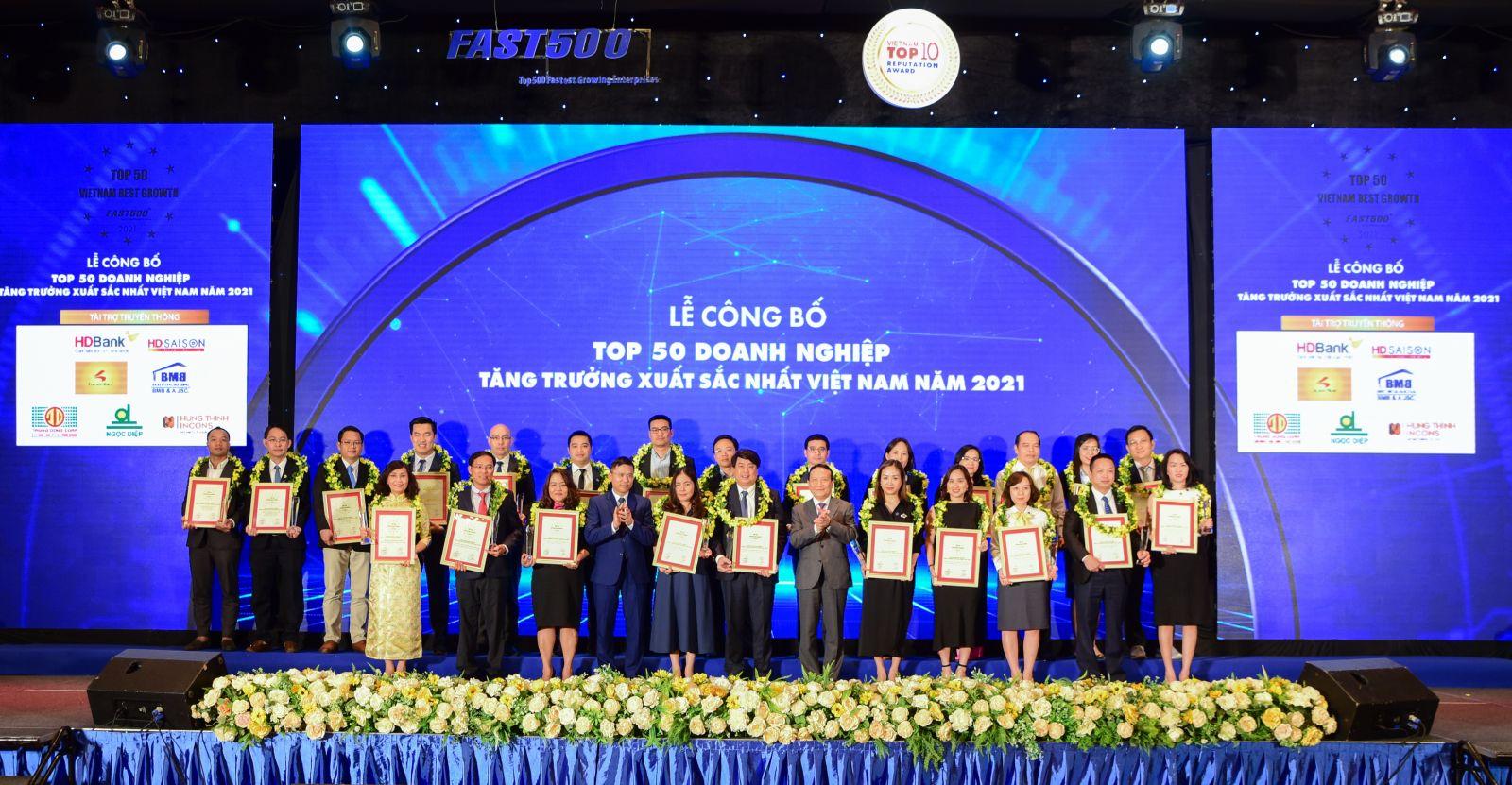 Lễ công bố Top 50 Doanh nghiệp tăng trưởng xuất sắc nhất Việt Nam 2021