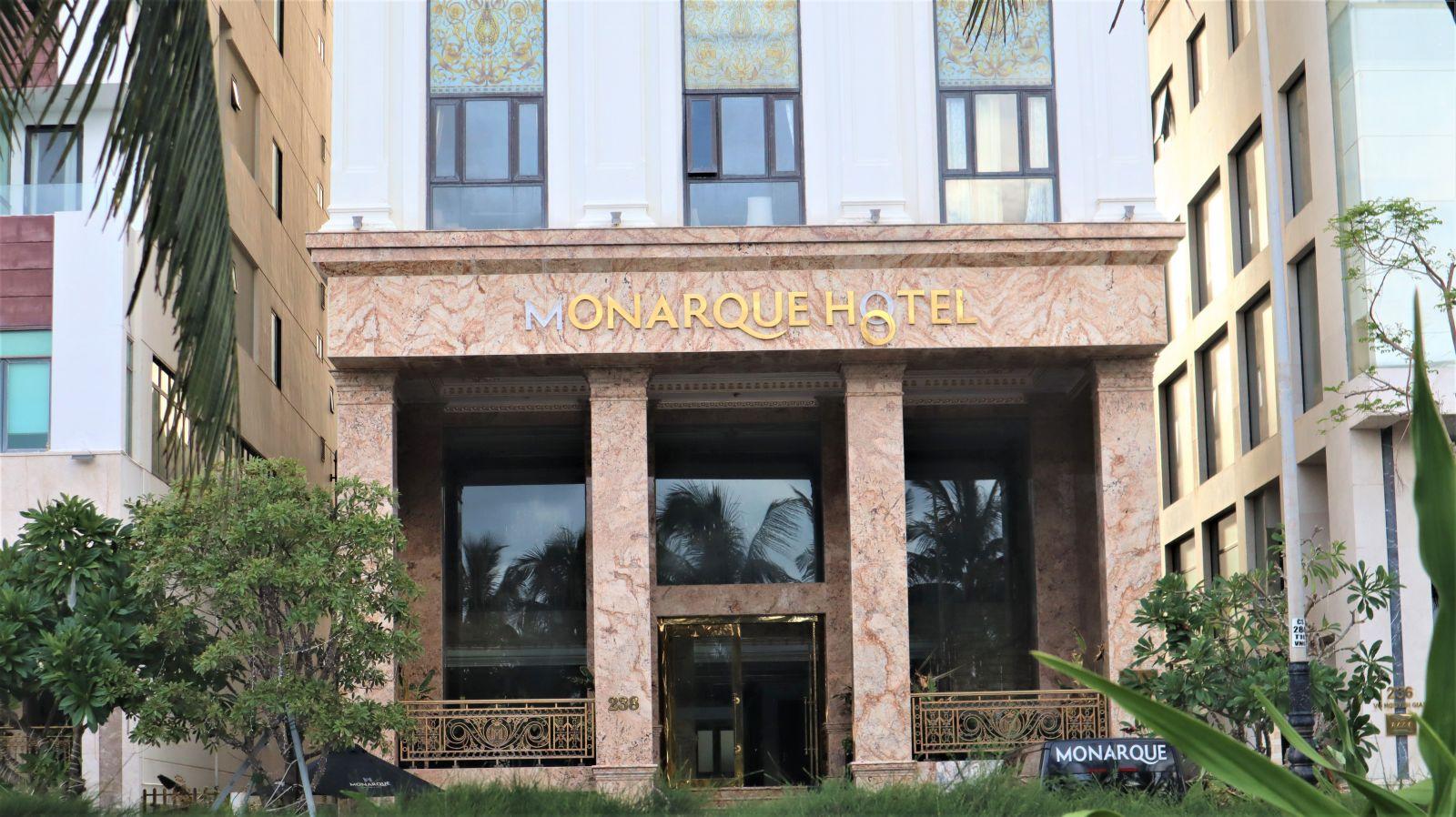 Nhiều khách sạn cho rằng, việc mở cửa trong thời gian này cũng đã lường trước được việc gần như không có khách.
