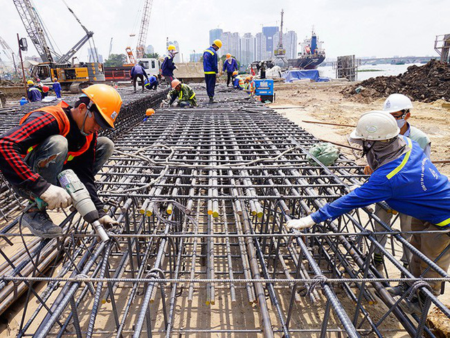 Giá thép giảm gần 300.000 đồng/tấn
