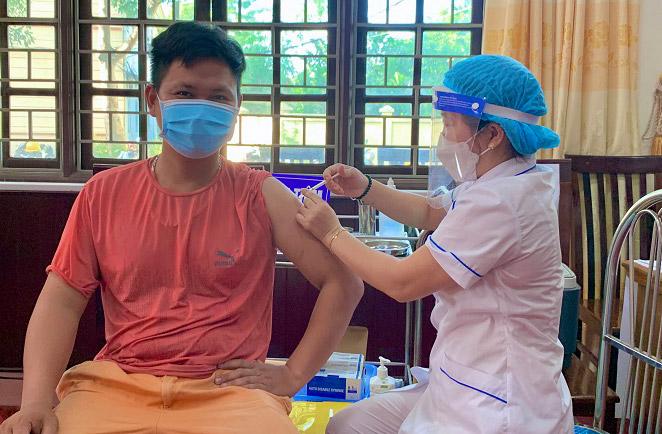 Hà Nội đang phấn đấu tăng tốc độ, diện bao phủ vắc xin phòng Covid-19.