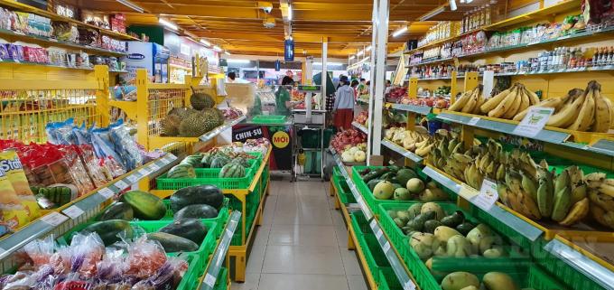 Hàng hoá trong siêu thị Bách Hoá Xanh khá dồi dào.