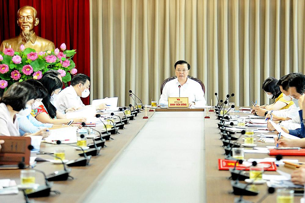 Quang cảnh hội nghị giao ban Ban Chỉ đạo Chương trình số 01-CTr/TU Thành ủy khóa XVII.
