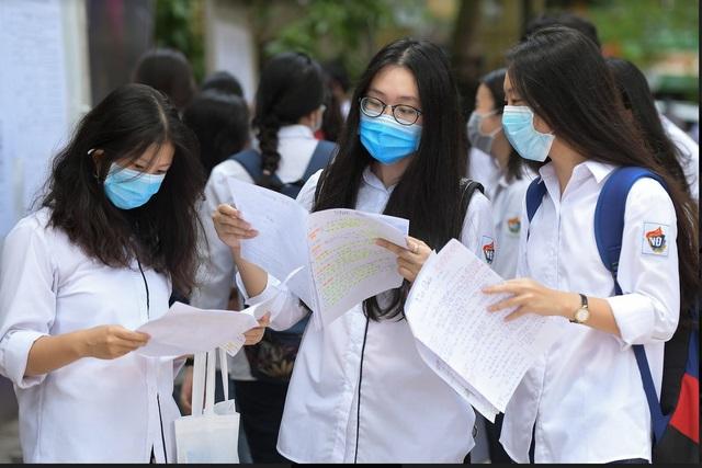 Hiện nay dịch COVID-19 diễn biến vẫn phức tạp nên việc tổ chức thi tốt nghiệp sẽ phụ thuộc tình hình diễn biến dịch bệnh