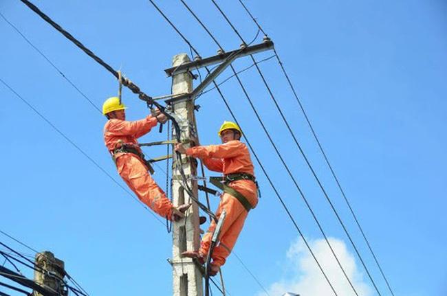 6 tháng đầu năm: Ngành điện cung ứng đủ điện, kịp thời cho sản xuất và đời sống