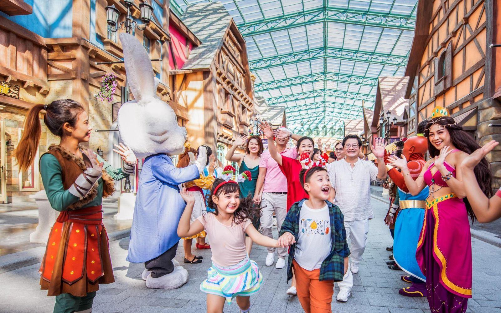 Điều gì làm nên sức hút của 'siêu quần thể không ngủ' Phú Quốc United Center?