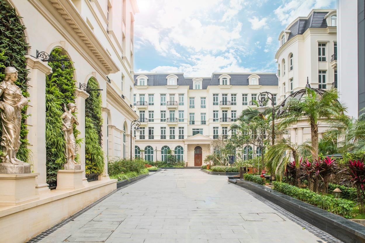 Lối vào khu dinh thự của Grandeur Palace – Giảng Võ