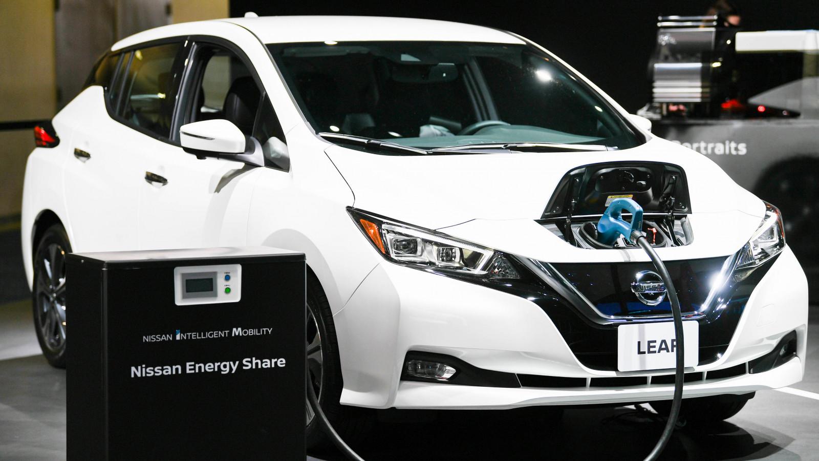 Bộ Tài chính cần có sự điều chỉnh chính sách ưu đãi phù hợp như thuế tiêu thụ đặc biệt và lệ phí trước bạ đối với ô tô điện.