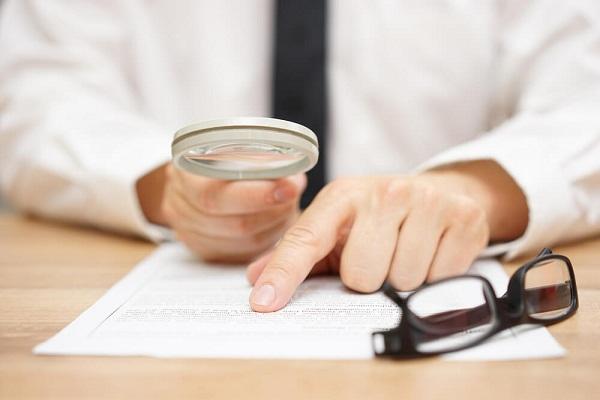 Phần lớn trong các hợp đồng mua bán nhà, các quy định liên quan đến bên mua thường rất chặt chẽ trong khi trách nhiệm của bên bán lại rất mơ hồ