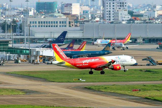 Tăng cường bay nội địa được xem là giải pháp để ngành hàng không Việt Nam giảm thiểu những thiệt hại do ảnh hưởng của đại dịch Covid-19. Ảnh minh họa
