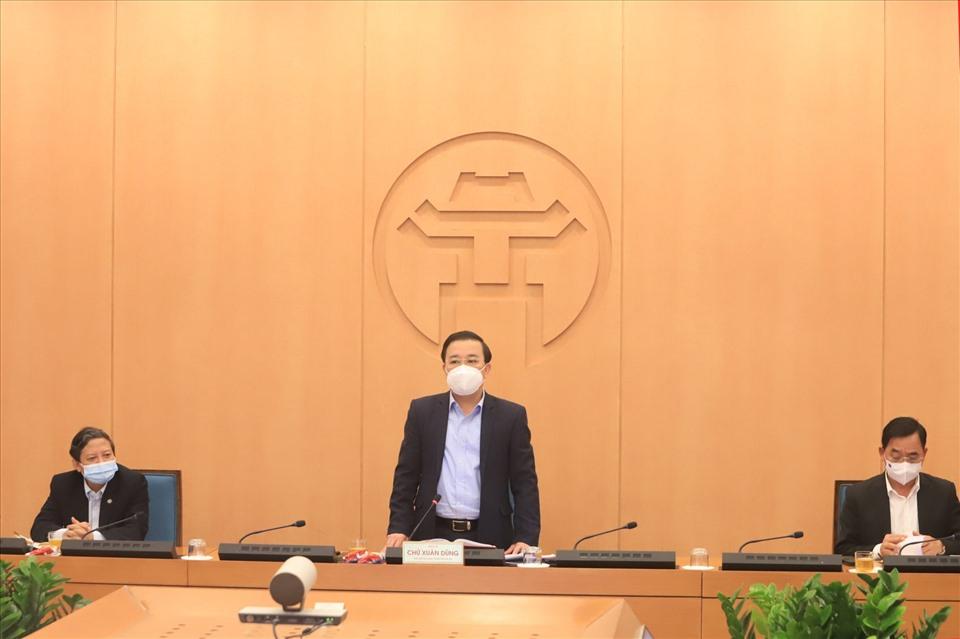 Phó Chủ tịch UBND Thành phố Hà Nội Chử Xuân Dũng phát biểu chỉ đạo tại phiên họp
