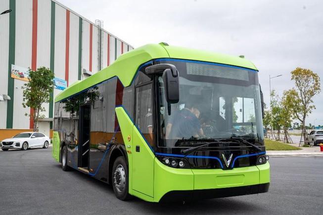 Hà Nội vận hành 10 tuyến xe buýt điện từ quý II/2021