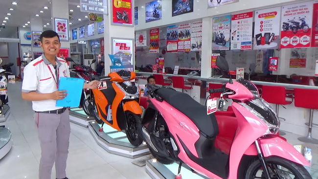 Doanh số xe máy tại Việt Nam giảm 2 năm liên tiếp - Ảnh 1.