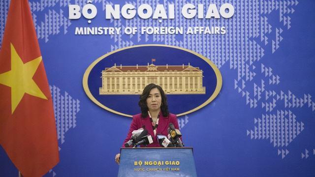 Người phát ngôn Bộ Ngoại giao Lê Thị Thu Hằng chủ trì cuộc họp báo đầu tiên năm 2021 của Bộ này.