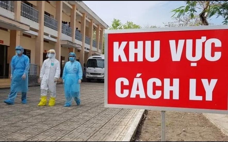Gần 20 nhân viên y tế Bệnh viện Bạch Mai cách ly y tế vì liên quan ca dương tính Covid-19. Ảnh: TL