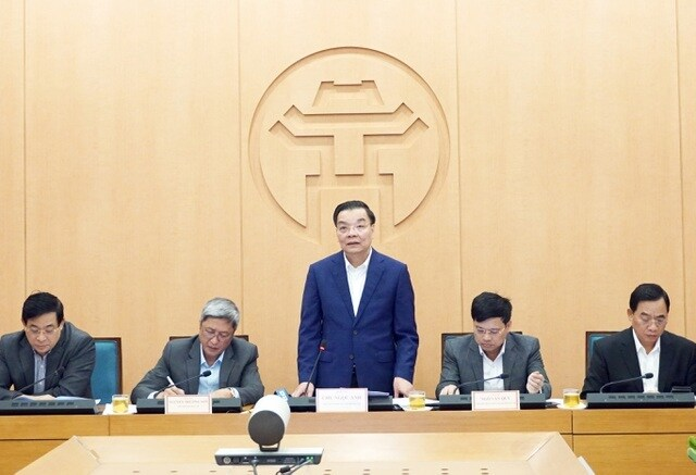 Ông Chu Ngọc Anh – Chủ tịch UBND TP Hà Nội ᴘʜát biểu tại buổi họp Ban Chỉ đạo phòng chống Covid-19 TP Hà Nội