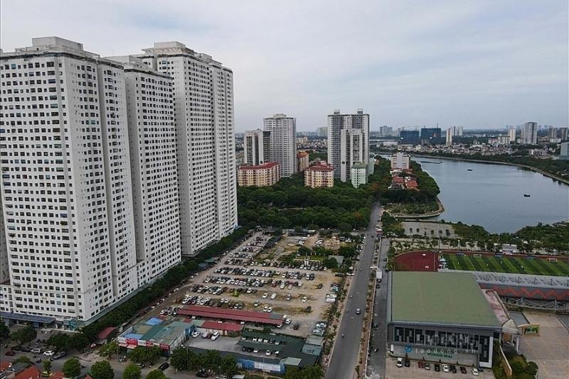 Ít người biết rằng, khi mua chung cư, người dân đã mua luôn cả đất. Ảnh: Phan Anh