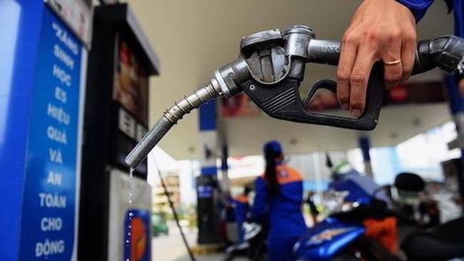 Ngày mai (25/2) giá xăng nhiều khả tăng sẽ tăng cao