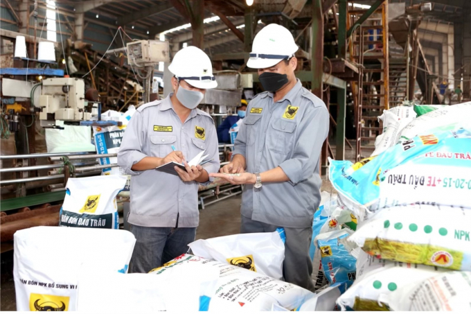 Sản phẩm của công ty CP Phân bón Bình Điền luôn cung ứng đầy đủ phục vụ nhà nông.