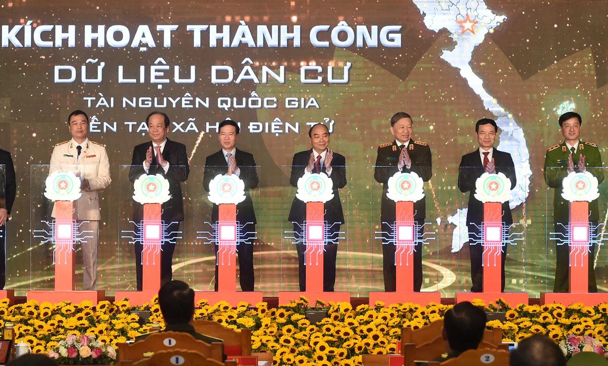 Thủ tướng: Phổ cập danh tính số cho mọi người dân, tạo nền tảng thúc đẩy kinh tế số, xã hội số