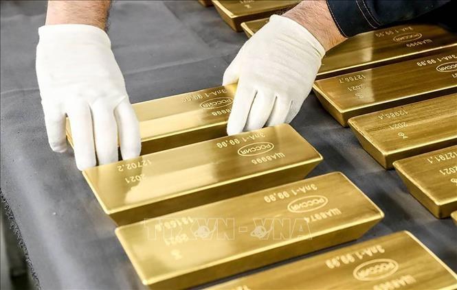 Giá vàng hôm nay 6/4: Giao dịch ổn định, chuyên gia tiết lộ lý do đưa vàng bước vào siêu chu kỳ tăng giá