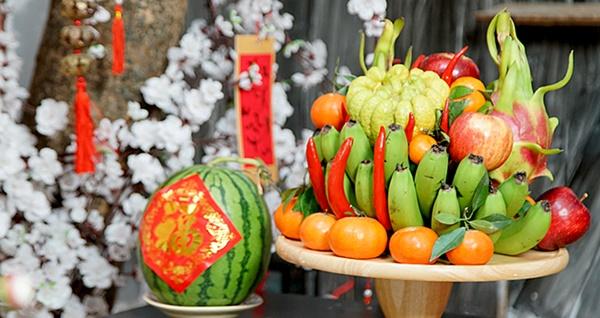 Chọn hoa quả cúng Rằm tháng Giêng cầu bình an, may mắn