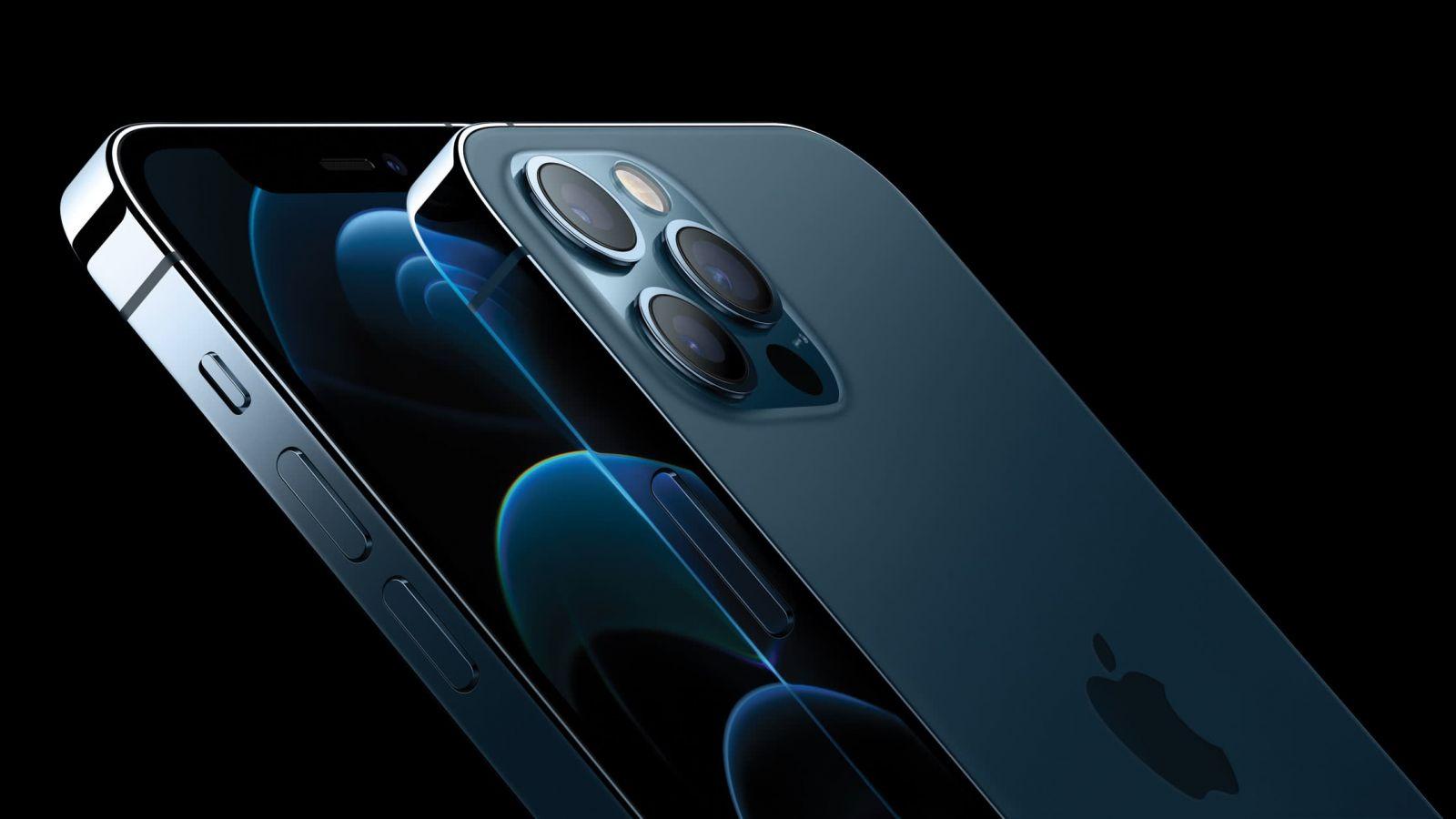 Nhiều mẫu iPhone giảm giá sốc dịp đầu năm mới 2021. Ảnh: TL