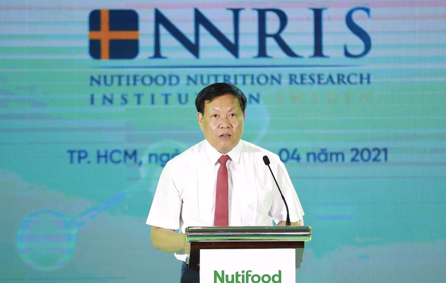 Thứ trưởng Bộ Y tế Đỗ Xuân Tuyên phát biểu tại Lễ ra mắt Viện Nghiên Cứu Dinh dưỡng Nutifood Thuỵ Điển