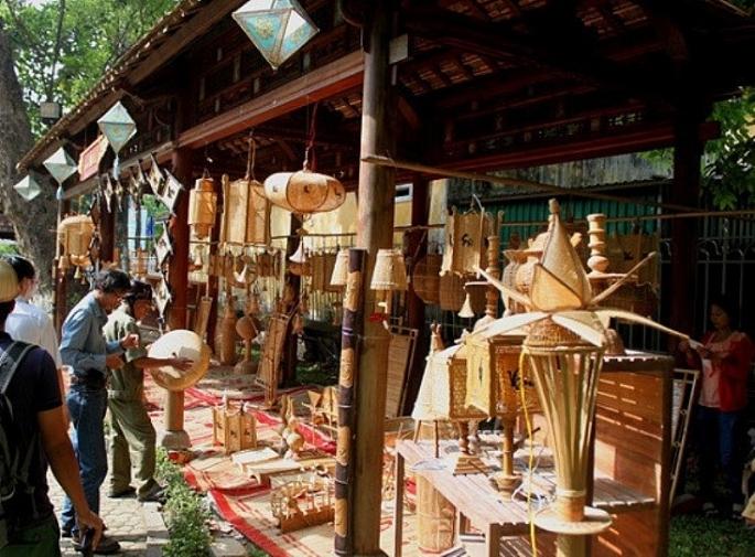 Những năm qua, các làng nghề trên địa bàn Hà Nội có sự tăng trưởng khá nhanh, góp phần thúc đẩy xây dựng nông thôn mới tại nhiều địa phương.(ảnh: TL)