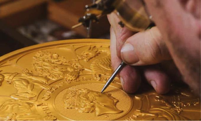 Đồng xu mất 400 giờ để sản xuất. (Nguồn: PA Photo).
