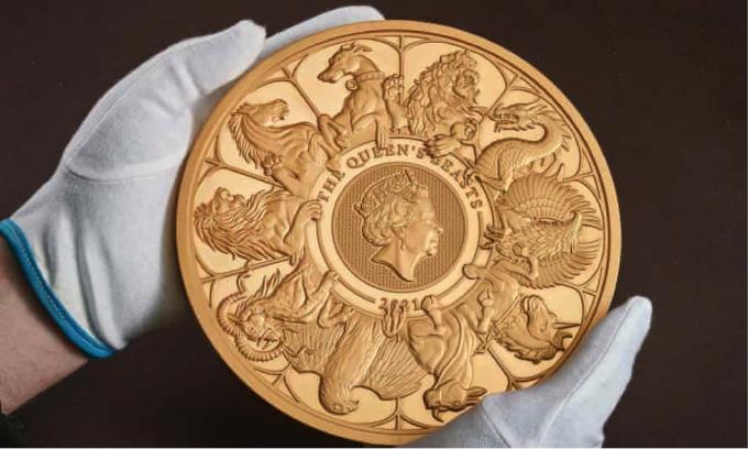 Đồng xu có hình 10 con thú từ các bức tượng xếp dọc tuyến đường mà Nữ hoàng Anh đi tới lễ đăng quang của bà vào năm 1953. (Nguồn: PA Photo).