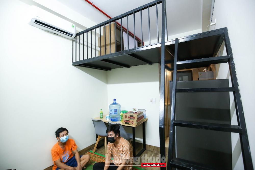 Các phòng hỗ trợ người có hoàn cảnh khó khăn là phòng dạng chung cư mini, đã sẵn các tiện ích cơ bản như giường, điều hòa, tủ lạnh, bếp...