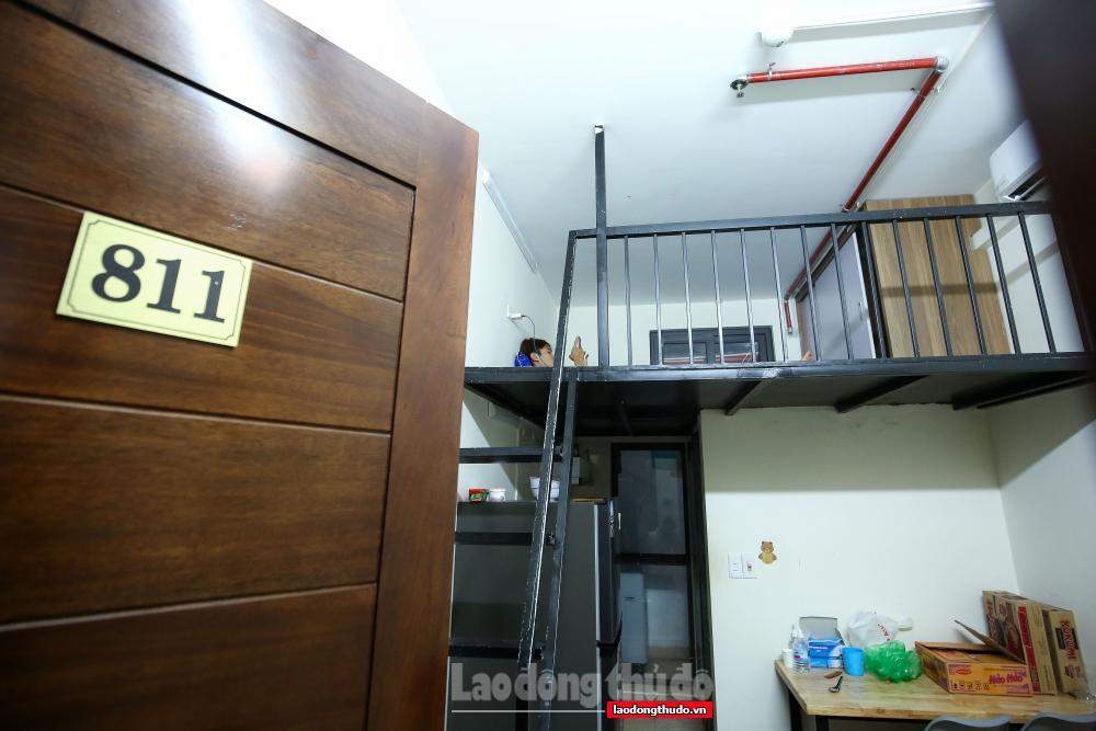 Anh Nguyễn Xuân Thông đã không ngần ngại sử dụng tòa nhà cao 9 tầng tại khu đấu giá Yên Xá, phường Tân Triều, quận Thanh Trì (Hà Nội) trở thành nơi giúp đỡ những người gặp khó khăn không có chỗ ăn, chỗ ở.