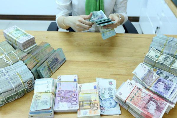 Doanh nghiệp nợ xấu có thể vay gói trả lương lãi suất 0%.
