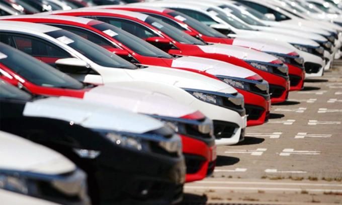 Hơn 138.000 giao dịch nộp lệ phí trước bạ ô tô, xe máy trên cả nước qua các hình thức trực tuyến. Ảnh minh họa